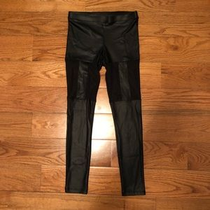 Forever 21 Faux Leather Leggings Size Medium